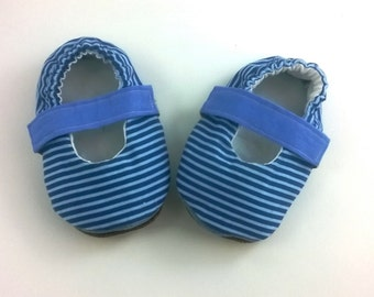 Mary Janes size 3-6 months with denim and leather soft sole size 3-6 months in blue/light blue striped cotton Newborn girl shoes