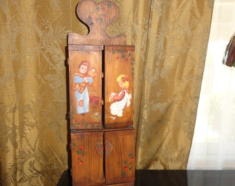 Antique Primitive Rustic Americana Hinged Hand Painted Wood Wall Hanging Or Counter Top Cabinet
