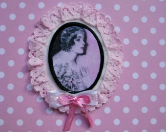 Bride.art deco.victorian.flapper.fabric brooch.wedding.romantic.ribbon,lace.for her.handmade.fabric jewelry.applique.pink.white.oval.love