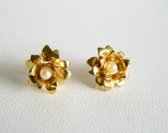 Small Gold Tone Flower with Pearl Center Pierced Earrings