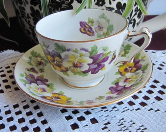 Crown Staffordshire F15069 with Pansies Bone China Tea Cup and Saucer - Made in England
