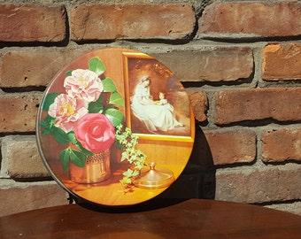 Vintage feminine & floral medium sized cookie tin