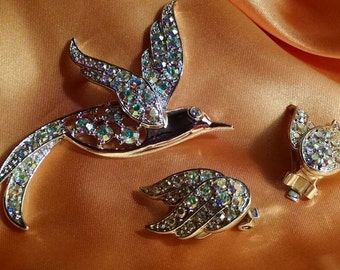Hummingbird Sarah Coventry Brooch and Earrings Set, Aurora Borealis, AB, Rhinestones, Bird