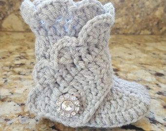 Baby boots, baby wrap boots, crochet baby booties, baby girl boots, tall baby boots, baby shower gift, photo prop
