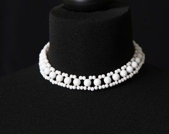 Vintage Milkglass Bead Choker Necklace