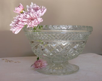 "Pressed Glass Candy Dish/Compote, ANCHOR HOCKING ""WEXFORD"" Pattern circa 1970s, Perfect Condition! Very Pretty Pressed Glass Diamond Design"