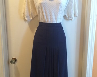 Vintage 1970s Navy Blue Skirt with Front Pleats Mid Length