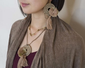 Circled crochet pom-pom, tassel Necklace