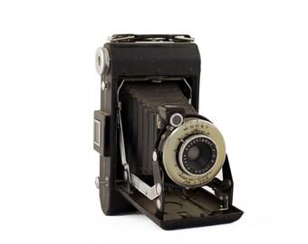 Kodak Anastigmat 100mm f/8.8 / Kodak No. 1 Diomatic Shutter / Kodak Vigilant six-20 / 1940s Folding Camera / Vintage Kodak Folding Camera