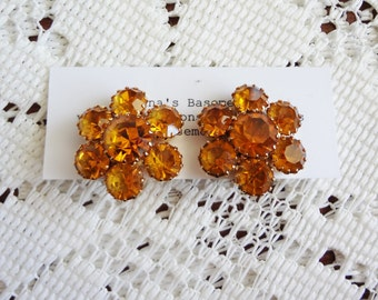 Vintage orange rhinestone clip on earrings