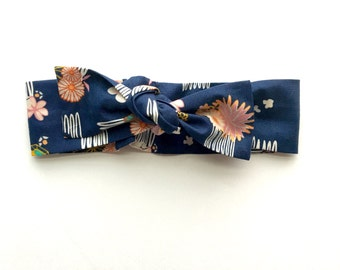 Flower Comb Knotted Headband