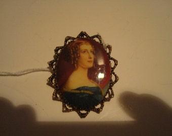 Outstanding vintage porcelain pin/pendant