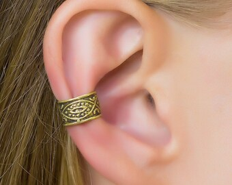 Ear cuff. gypsy earrings. ear cuffs earrings. ear cuff non pierced. boho chic. fake piercing. ear wrap. cartilage cuff. bohemian earrings.