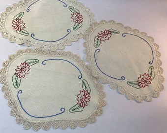 Doily Set Embroidered Linen