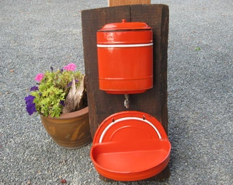 French Vintage Tank de Fountain, Garden Water Tank,  Lavabo 1940s, Lave-Mains.