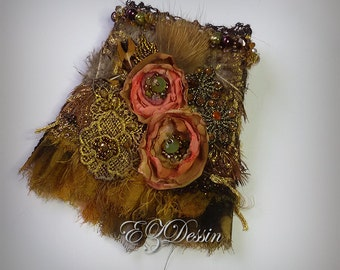 Victorian textile bracelet cuff,Antique Renessance jewelry,Shabby Bracelet cuff Romantique Vintage style.Bronze color.Beaded bracelet