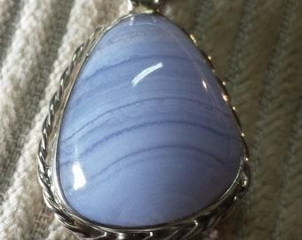 Banded Agate Freeform Pendant (purple) 20.3ct