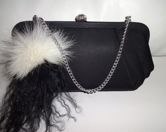 Evening handbag trimmed with fur!