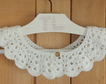 Crochet necklace, Peter Pan collar, Neckwear crochet bib necklace. White collar, white cowl.