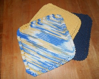 3 dish cloths or wash cloths
