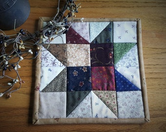 Qulted Mug Rug / Quilted Table Topper / Quilted Candle Mat / Country Placemat