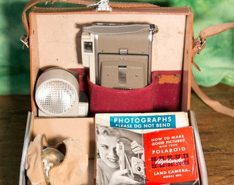 Classic Polaroid Model 80A Land Camera Kit