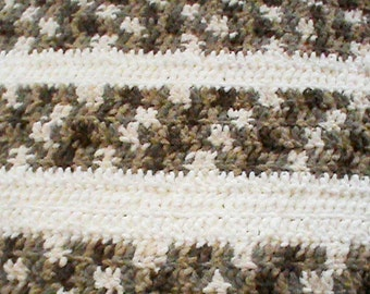 "Soft 25"" x 22"" Chenille Crocheted Pet Blanket choice of colors"