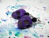 Skull earrings - Punk rock jewelry - Rockabilly earrings - Purple earrings - Howlite earrings - Gothic earrings - Halloween jewelry