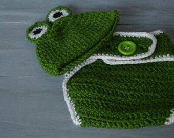 SALE! Newborn/Infant Crochet Frog Set w/ Diaper Cover, Ready to Ship!