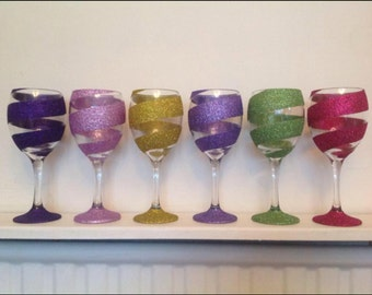 Swirls glitter wine glass