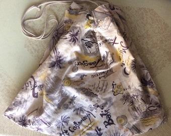 Vintage novelty cotton drawstring purse!