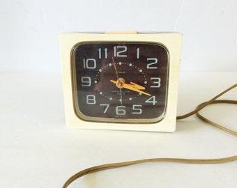 Dash Drowse Vintage Clock by Westclox
