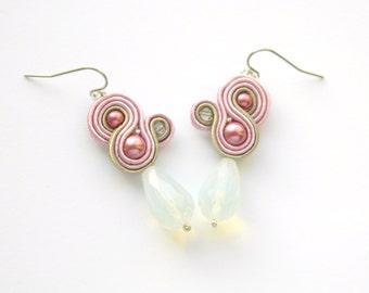 Pink gray earrings, soft pink earrings, gray earrings, drop earrings, soutache earrings, chic earrings, pink boho jewelry, dangle earrings