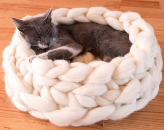 Chunky Cat Bed Cat House < GIANT YARN XXXL > Cat furniture Cave Dog bed