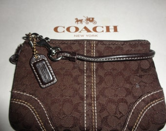Vintage COACH Chocolate Brown Fabric/Canvas with Leather Trim Wristlet/Clutch