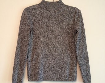 SALE / Vtg 90's black + white sweater / women's small