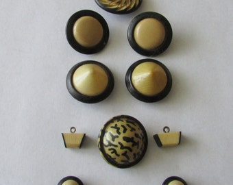 11 Vintage Retro Black & Cream Celluloid Plastic Buttons