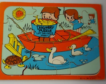 Vintage Wooden Frame Tray Discovery Puzzle 12 Pieces Connor Toy 1976 Fishing  No. 8470-1