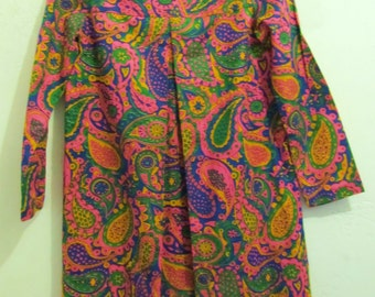 30% Off SaLE@@A Vintage 60's,GROOVY Pink Paisley LAUGH-IN Type Dress.xs