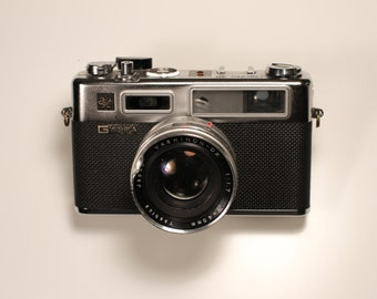 Yashica Electro 35 Rangefinder - Film Tested, includes working batteries