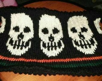 Cache neck black halloween skulls Womens one size