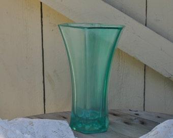 Seaglass Vase in Light Green