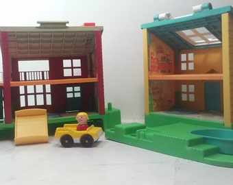 Fisher Price Vintage Little People Neighborhood ( 1989).  #2551 with some accessories