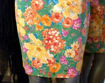 1990's floral pattern mini pencil skirt.