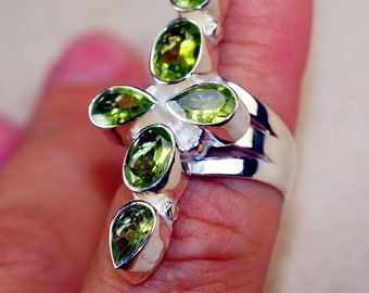 Peridot  & 925 Sterling Silver Ring size 7
