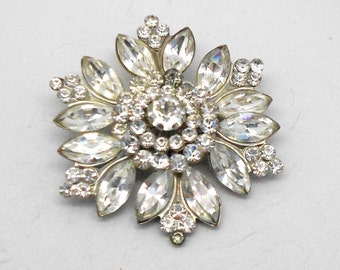 CLEARANCE! 30% OFF!! Vintage Clear Flower Rhinestone Brooch