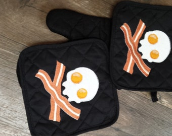 Eggs and bacon skull and crossboness