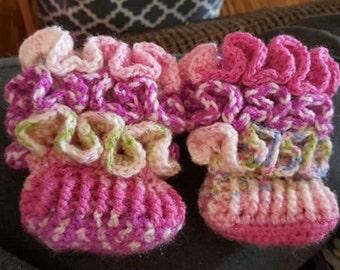 Crochet ruffle booties