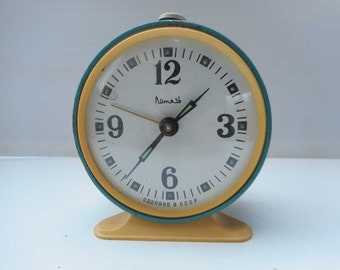 "Old Vintage Russia Soviet ""VITYAZ"" ВИТЯЗЬ Desk Alarm Clock, Working"