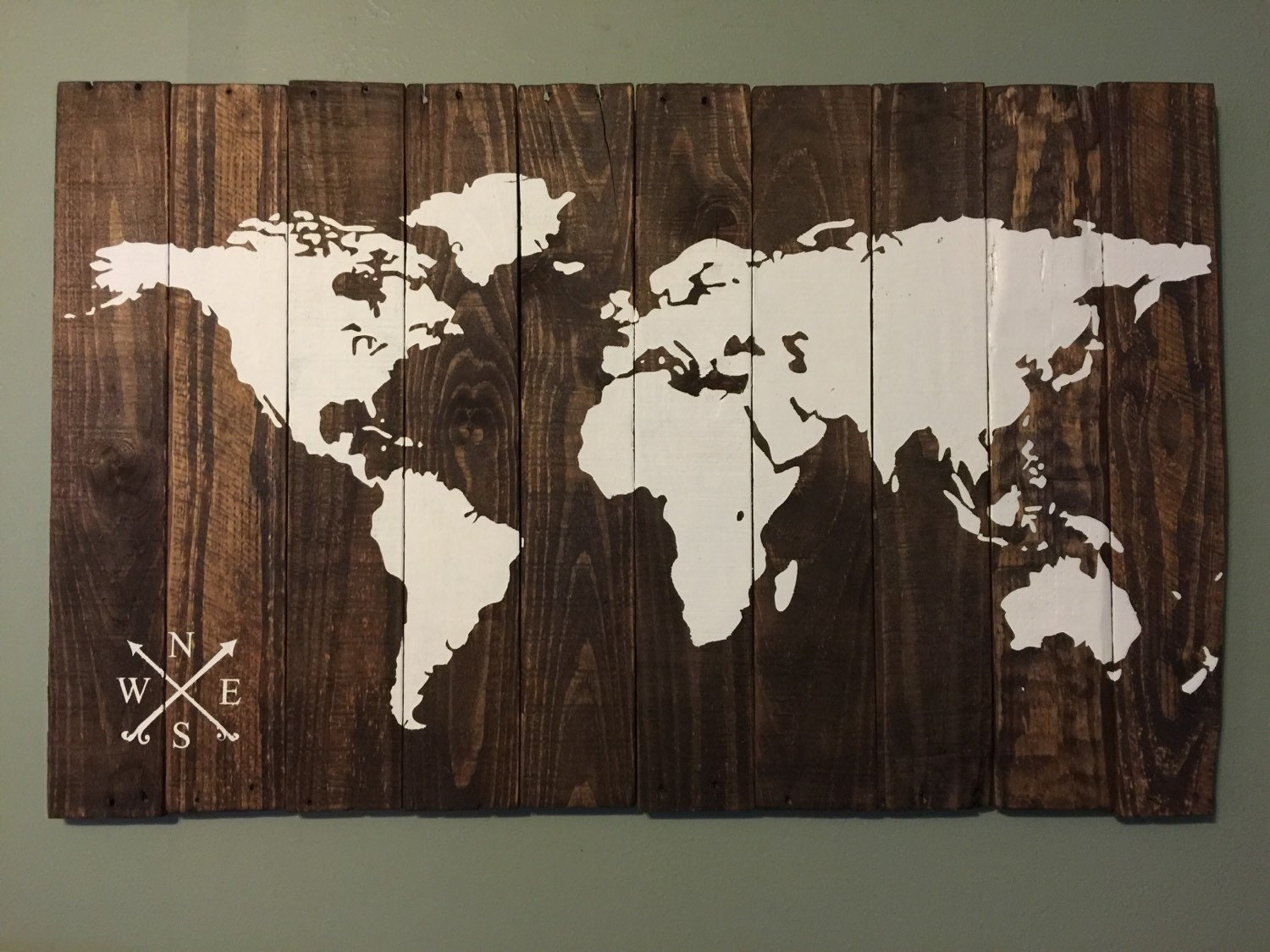 Custom world map rustic wood map 28x48 by thetealplank on etsy for Decoration murale a coller